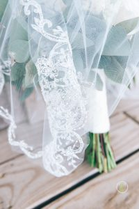 Bride Bouquet & Veil